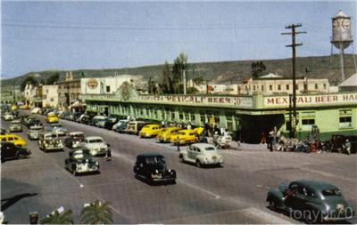 The Long Bar in Tijuana in the mid 40s - check out the hill in the background, not a house to be seen